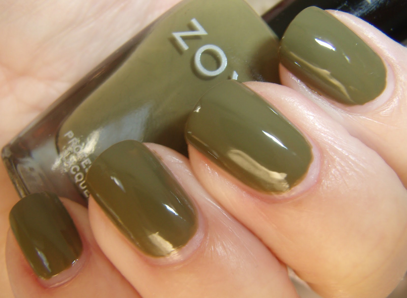 Old Fashioned Olive Green Nails Matte Model - Nail Art Ideas ...