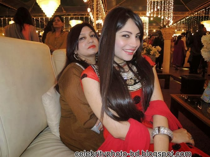 Desi indian hot and sexy girls photo latest Collection 2014