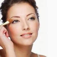 5 Cara make up dan Berdandan Natural agar Tampil Lebih Cantik
