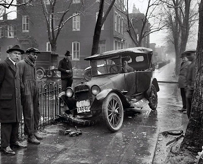 Retro Car Accidents Seen On www.coolpicturegallery.us