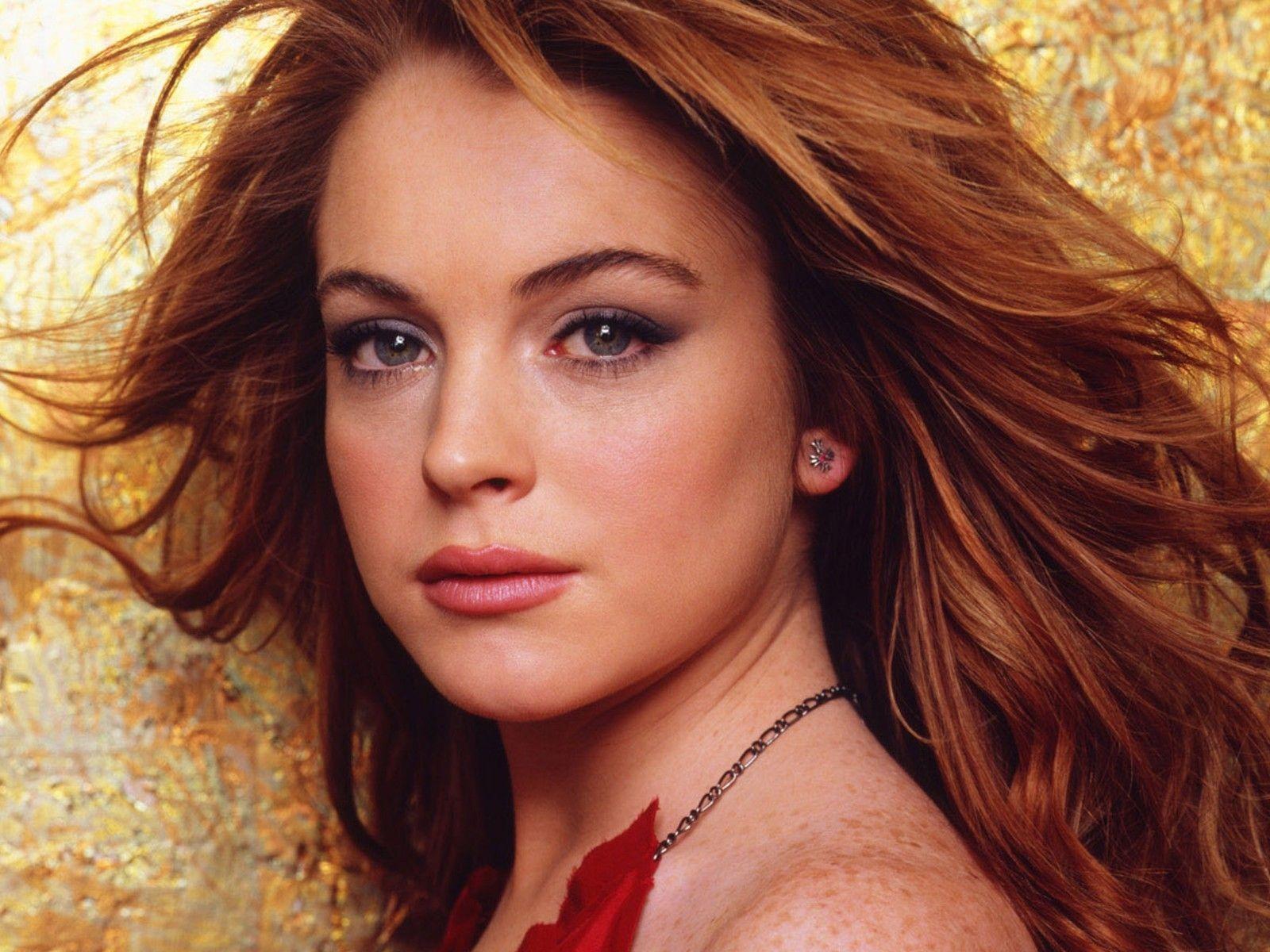 http://2.bp.blogspot.com/-3_0wf54QtHM/UNyZ8SuPksI/AAAAAAAABuU/jFly2_YKA-I/s1600/Beautiful-Lindsay-Lohan.jpg
