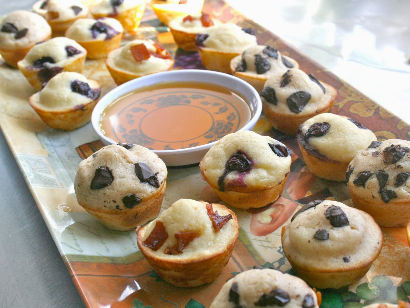 Bake a holic mini pancake muffins if you can whip up a batch of pancake batter either from scratch or from the box you can easily make these mini pancake muffins ccuart Gallery