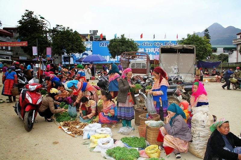 Bac Ha Market – Sapa Tours
