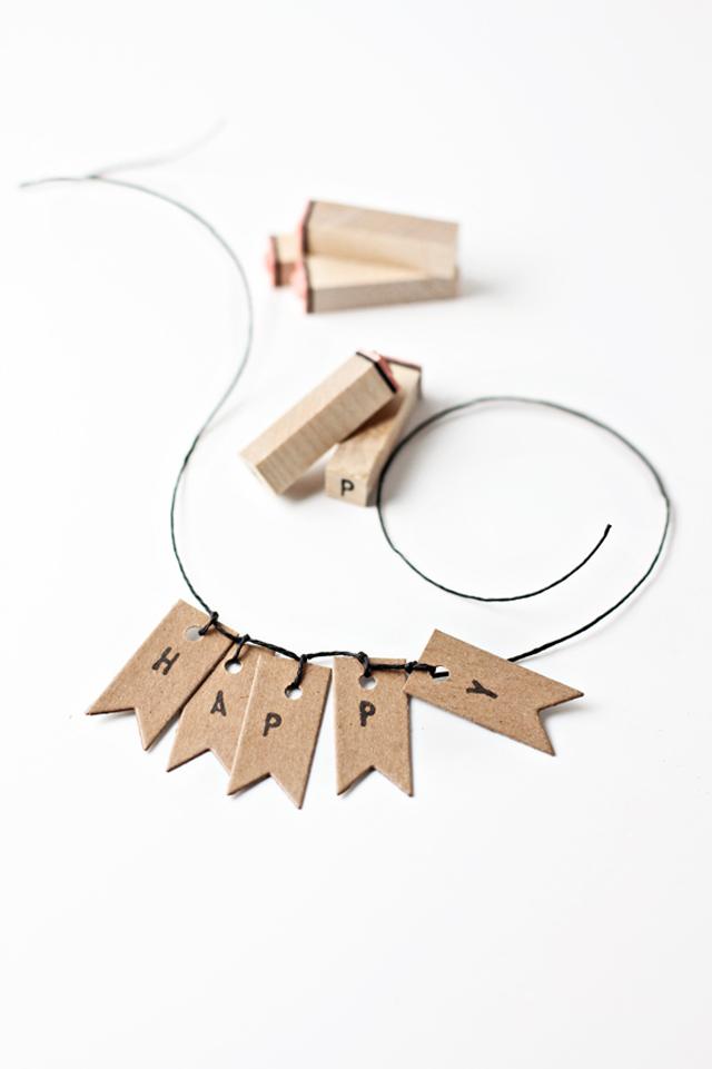 http://besottedblog.com/kraft-flag-gift-tags-mini-garland-d-i-y