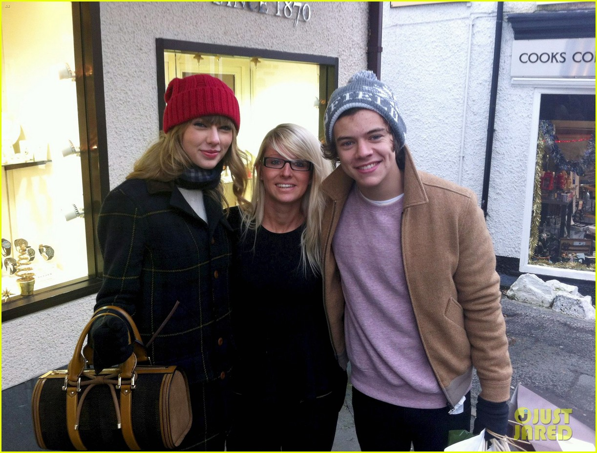 N/ew PPOm: Taylor Swift and Harry Styles 2013 Pictures