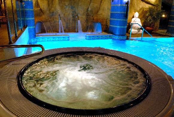 Escapadas m carratal hotel spa ciudad de teruel para for Hoteles en teruel con piscina