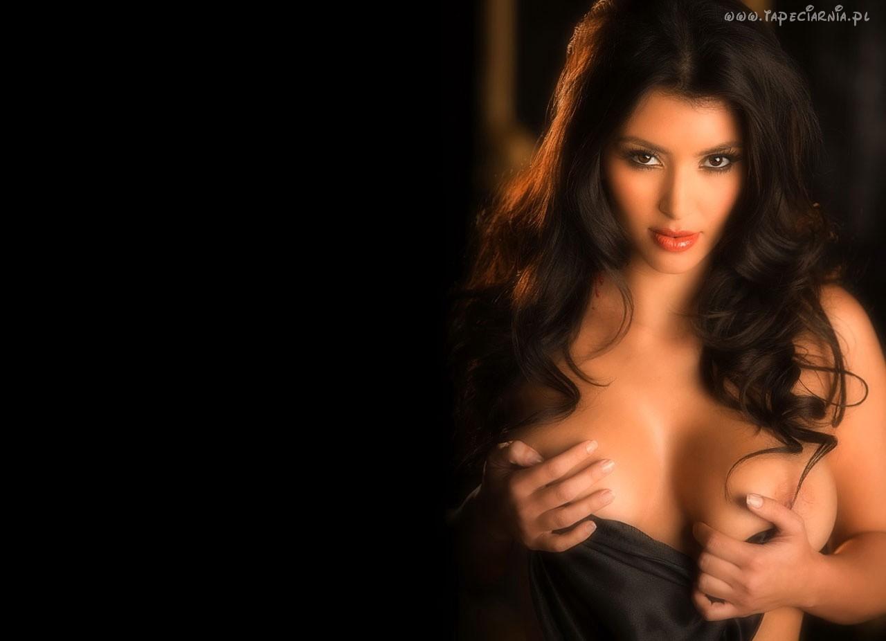 Kim Kardashian Nude Wallpaper