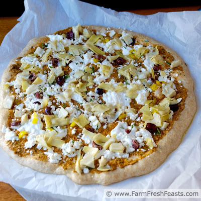 http://www.farmfreshfeasts.com/2015/07/what-is-tomato-pesto-why-put-it-on-pizza.html