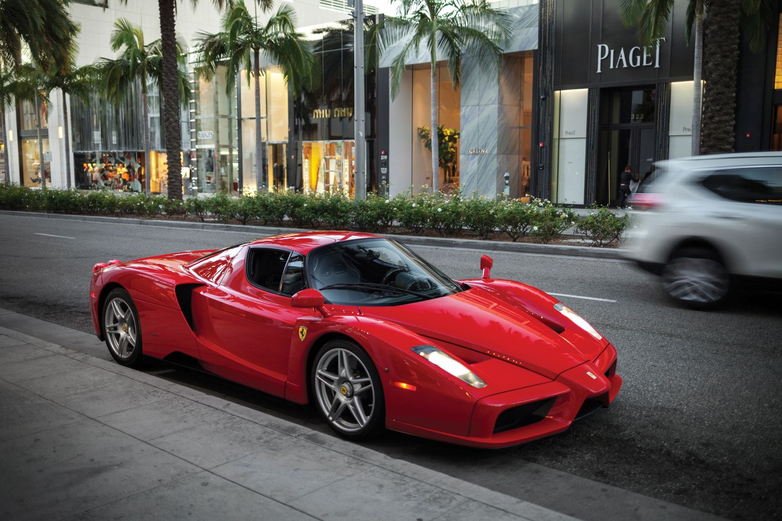 Floyd Mayweather S Ferrari Enzo Sells For 3 3 Million At