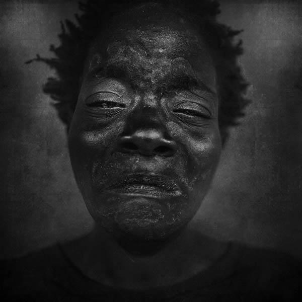 Retratos a preto e branco - fotografia de Lee Jeffries