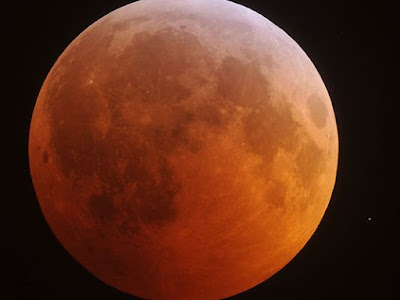 """Sunday's Lunar Eclipse will correspnd with """"SUPERMOON"""""""