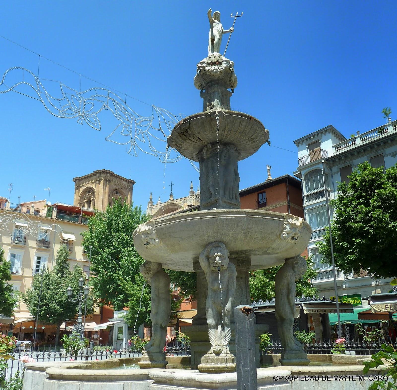 Fuentes de granada esta fuente de neptuno de los gigantes situada en la plaza de bibarrambla - Fuentes de piedra antiguas ...