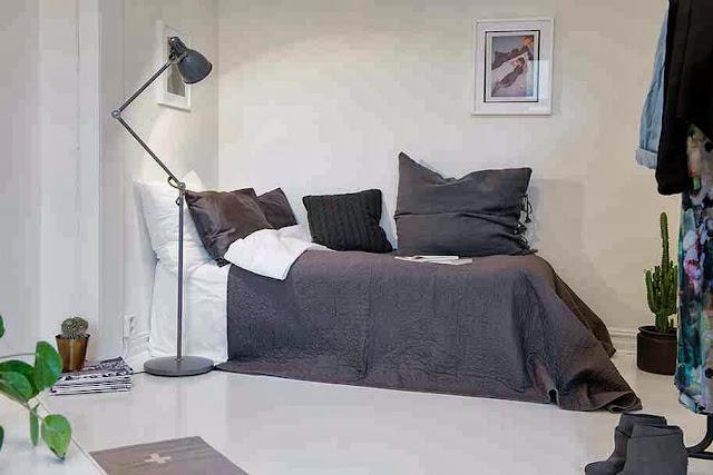 Dekoracyjne łóżko w mieszkaniu