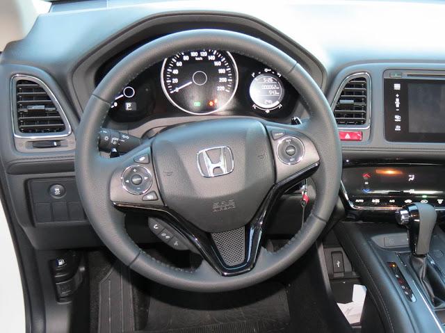 carro SUV Honda HR-V - interior - volante