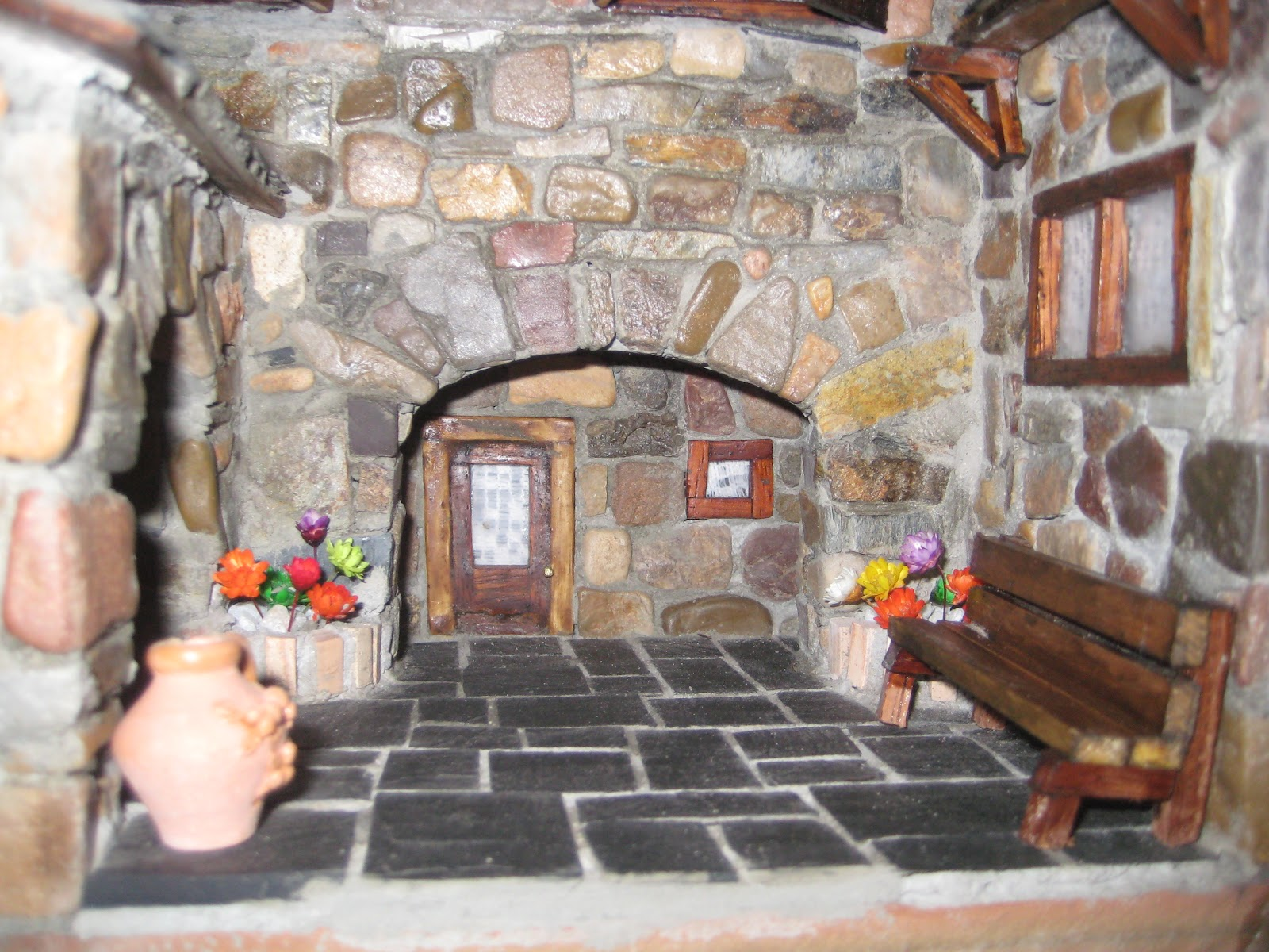 Casas de piedra en miniatura presentacion for Piedra interior