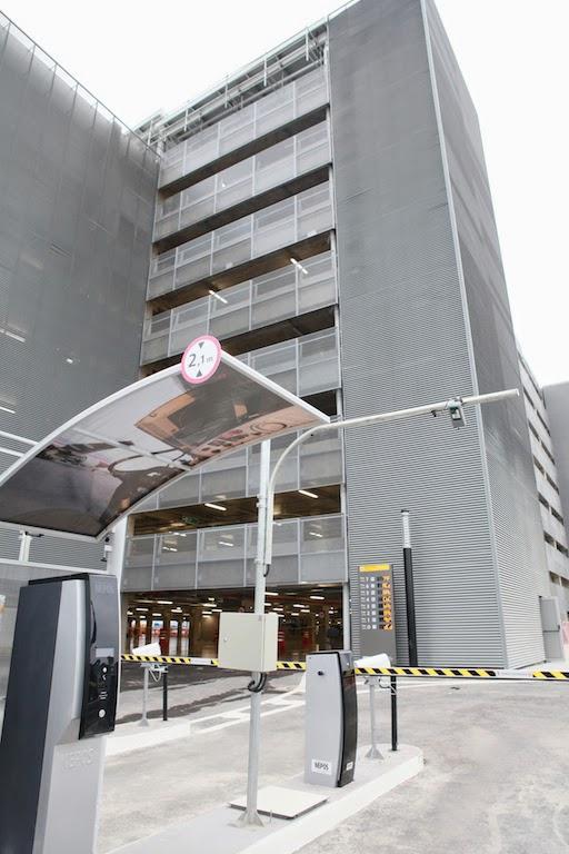 Novo edifício-garagem de GRU Airport dá acesso direto ao Terminal 3 através da passarela elevada e envidraçada