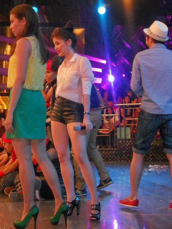 anne curtis candid pics in its showtime 01