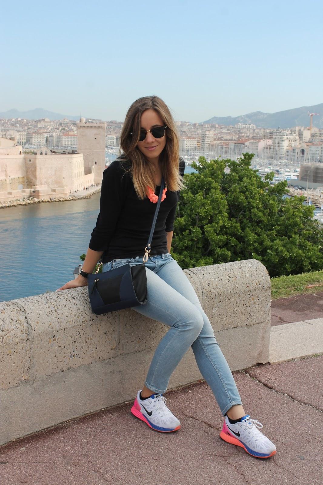 Tenue mode pour touriste