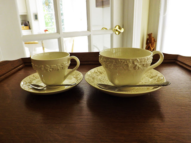 Even Replacements Ltd Does Not Specify The Difference It Names One To Left Footed Demite And Other Cup Saucer