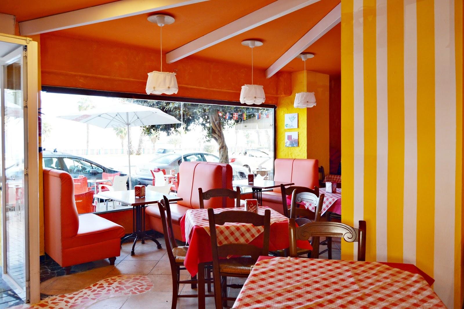 Bares y restaurantes en m laga pizzer a la casa de zio bello for Bello salon