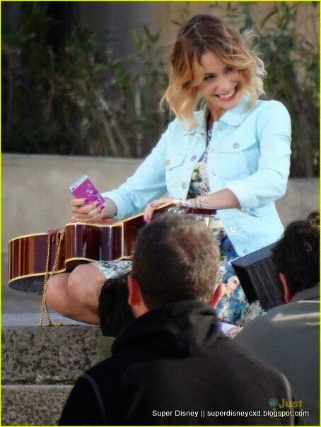 imagens do celular da violetta - 'Violetta' da Disney Fotos VEJA