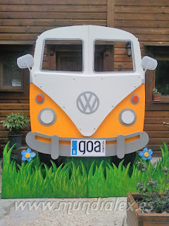 Furgoneta Volkswagen hippie madera