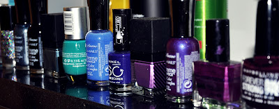 Nagellacke in Blau & Violett