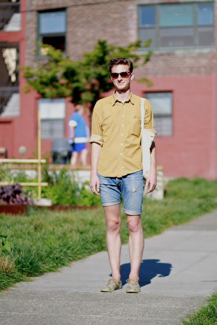 It's My Darlin Seattle Street Style Ted Ripple Capitol Hill Fashion Lemon Print Tote