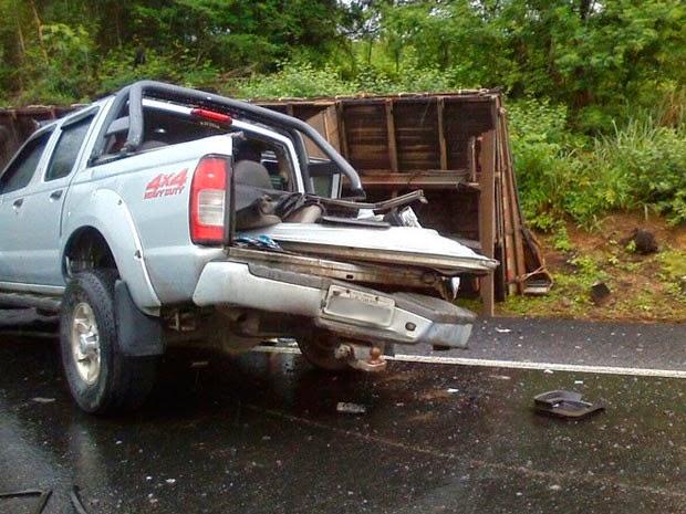 Acidente deixou cinco pessoas feridas na BR-116 (Foto: Marcelo Santos / Blog Marcos Frahm)