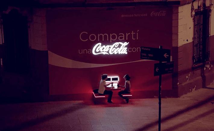 Coca Cola, Argentina, compartí, el cartel más amigable del mundo