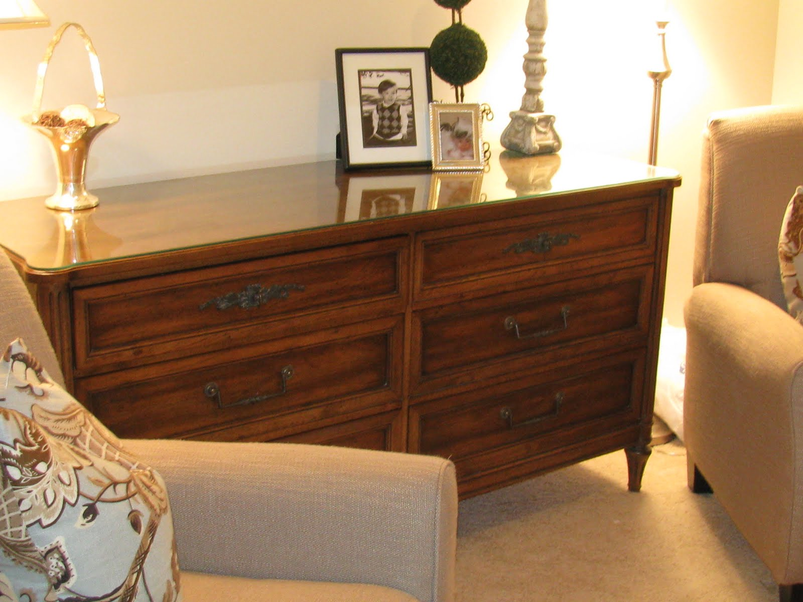 here is the dresser before great lines no real problems but it was the traditional 1960u0027s brown with black flecked finish