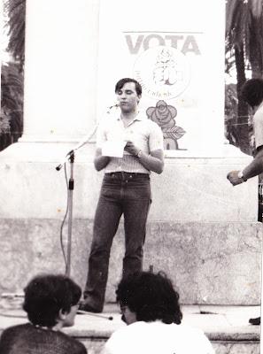Giuseppe Di Salvo durante un comizio