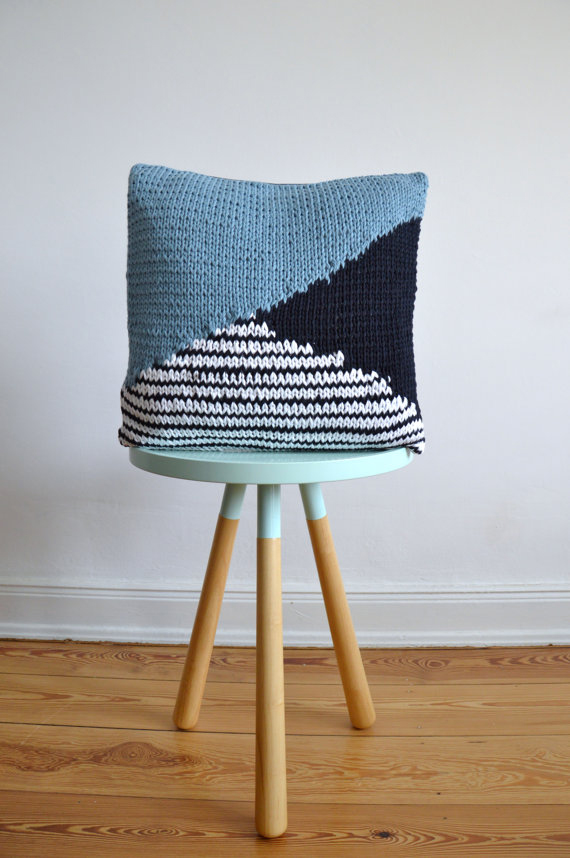 Hand knitted cushion by hjartslag on Etsy