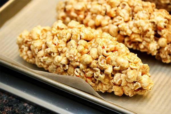 popcorn-cobs