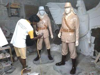 buat patung tentara Jepang