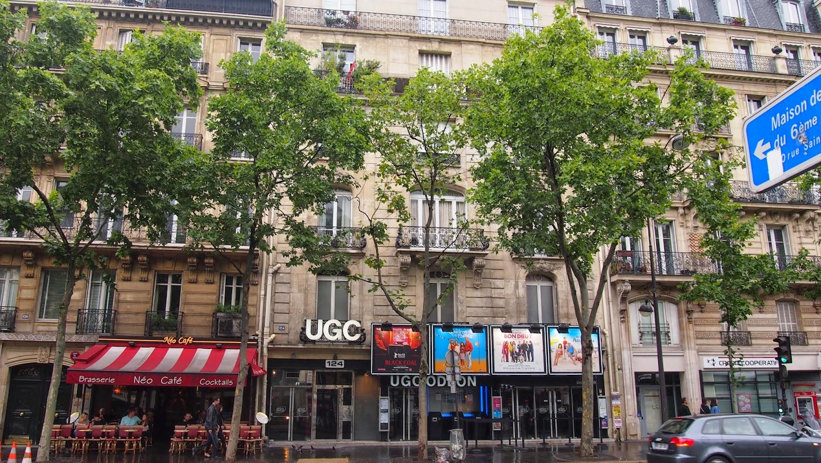 パリのアパルトマンの写真01