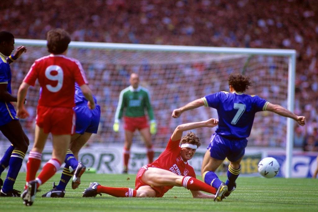 Lance de la final de la FA Cup de 1988 disputada por el Wimbledon FC y el Liverpool FC