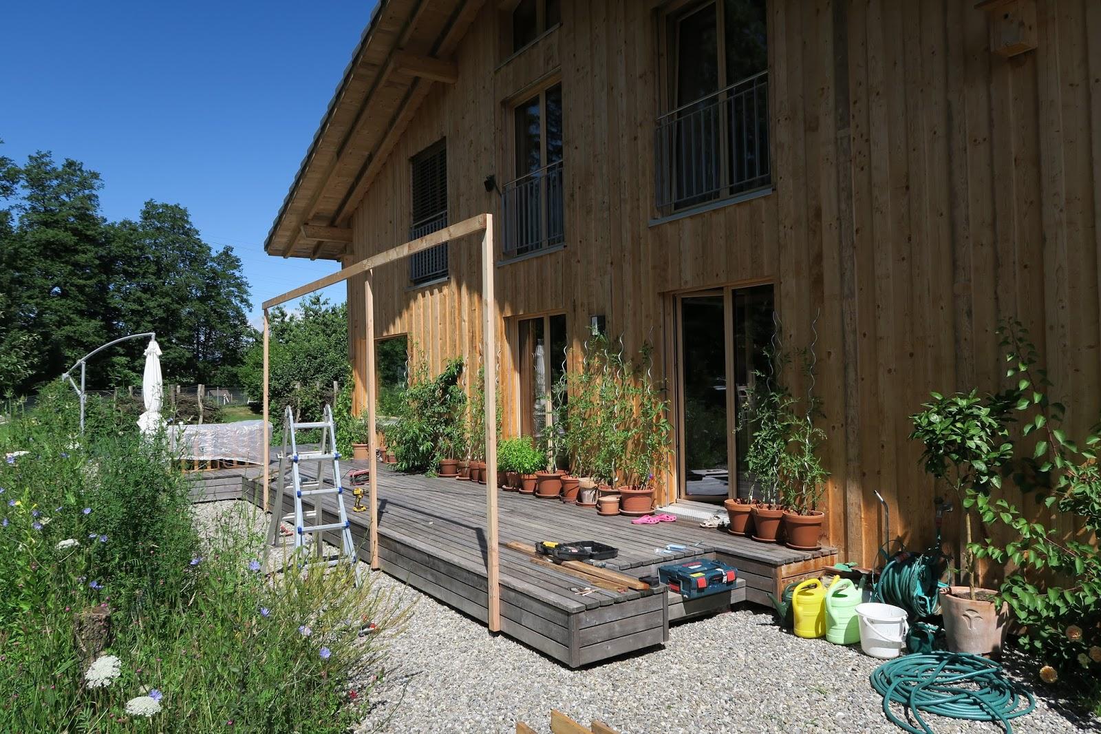 haus mit veranda bauen der sonnensegel beige beste sonnensegel fr balkon und terrasse selber. Black Bedroom Furniture Sets. Home Design Ideas