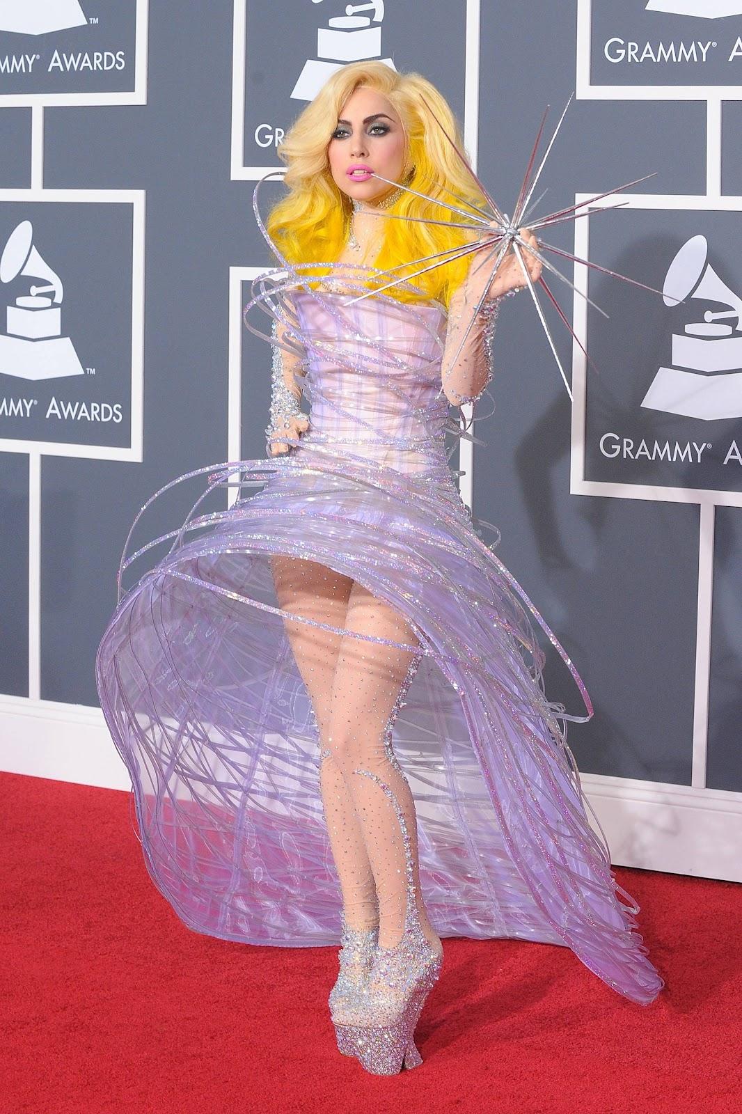 http://2.bp.blogspot.com/-3dqtJGeWTXg/Tztld7Xni0I/AAAAAAAAPCA/SuvJm_8noL4/s1600/Lady+Gaga+Hairstyle+(331).jpg