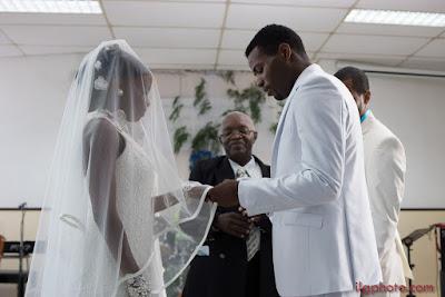 la bague de mariés au doigt mariage Guadeloupe Pointe à Pître