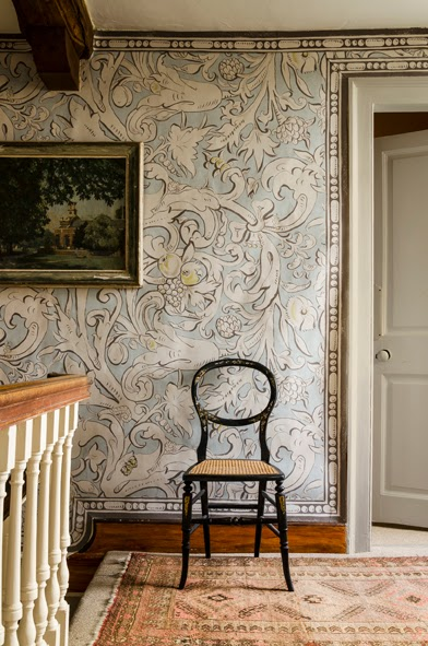 Bacchus wallpaper in Grigio colourway