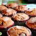 Muffinki ze śliwkami i cynamonową czapką