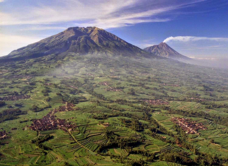 7 Gunung Terindah Di Indonesia  Pengetahuan Wisata Gunung Indonesia