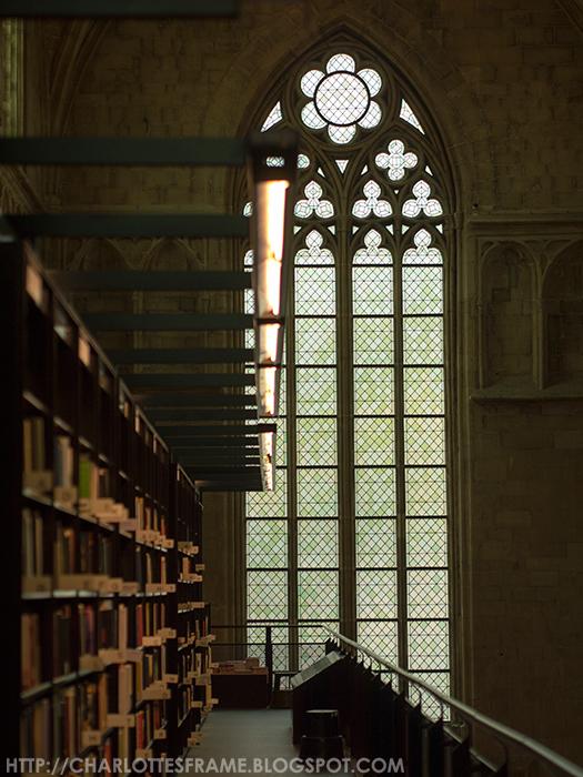 Boekhandel Dominicanen, bookshop Dominicanen, bookshop inside a church