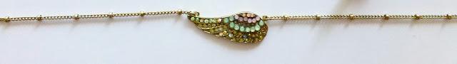 lovisa-wing-necklace