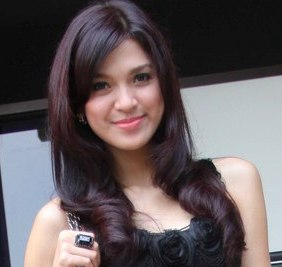 wanita cantik harum mewangi