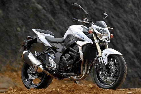 Suzuki GSR750 Review, Specs and Price