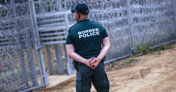 Η Βουλγαρία έδωσε εντολές εκτέλεσης στην αστυνομία! πρώτος νεκρός ισλαμοπίθηκος  απο πυρά αστυνομικών στα σύνορα!