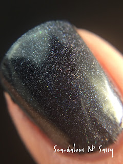 Darling Diva Polish Bad Ass Hug My Face Collection (Alien inspired) macro