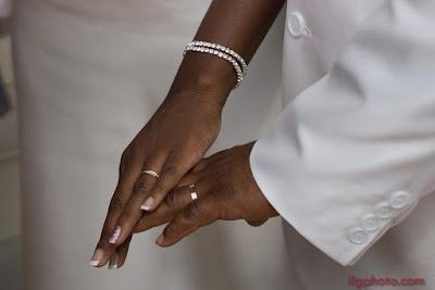 mariage en Guadeloupe, les mains avec les alliances